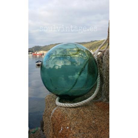 Antigua boya de pesca gran tamaño