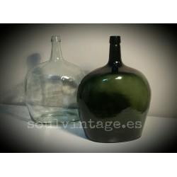 Antiguas damajuanas de vidrio soplado