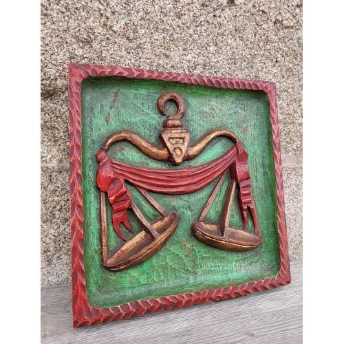 Cuadro tallado en madera zodiaco Libra
