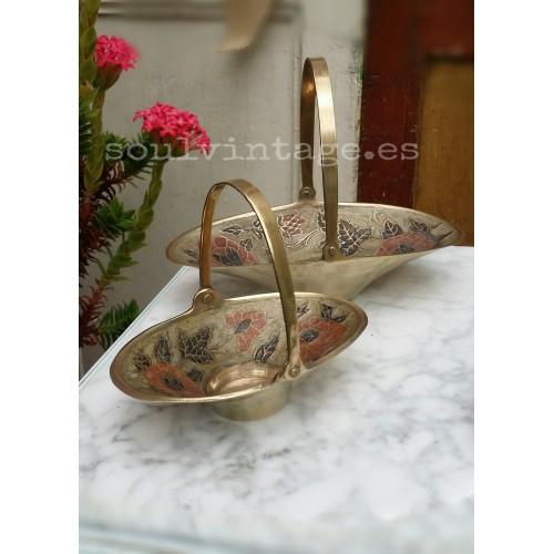 Antiguas cestas de latón