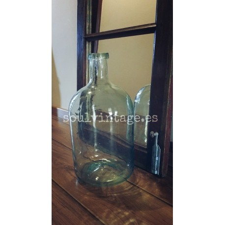 Antiguo botellón de cristal