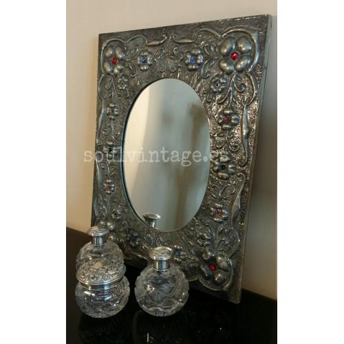 Espejo decorativo de estaño